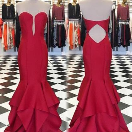 Elegant Red Sweetheart Sweep Train ..