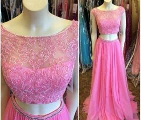Lace Beaded Prom Dre..