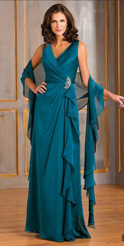 d0bc46e65e3 Elegant Mother Of The Bride Dresses V Neck Chiffon Crystal Floor Length Plus  Size Mother s Gowns