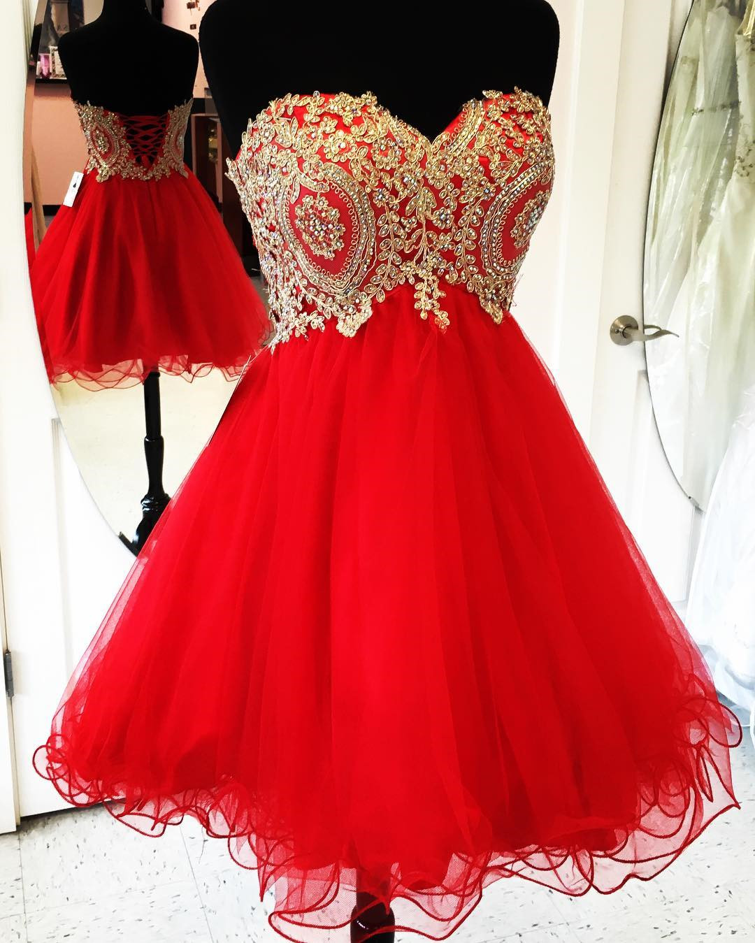 661e70e98456 Gold Lace Appliques Short Red Homecoming Dresses 2017 Cocktail Party Dress,Graduation  Dresses,Short Prom Gowns