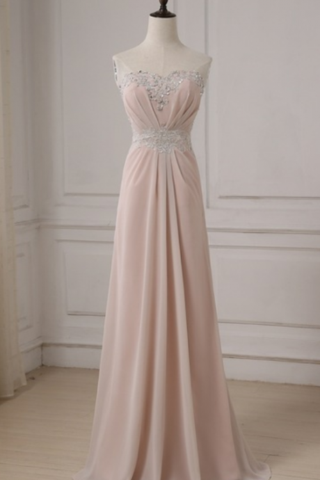The long evening gown of the applique line begins to shine on the ground party ball gown evening gown