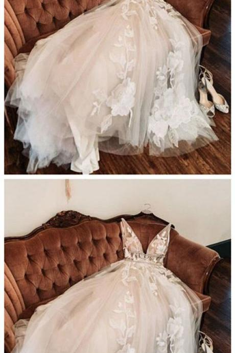 Tulle v neck embroidery wedding dresses