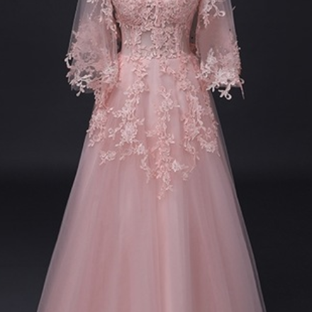 A long sleeved dress at night wedding dresses for women's dresses and a formal PROM evening gown