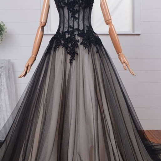 Strapless Sweetheart Ball Gown Prom Dress, Evening Dress with Corset Bodice and Lace Appliqués
