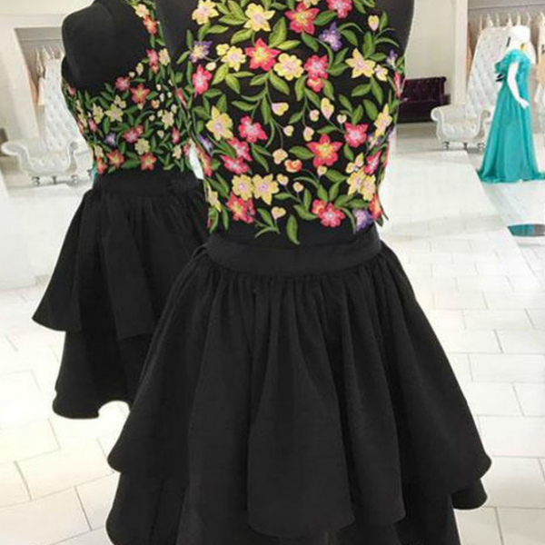 Vintage Black Two Piece Appliques Short Prom Dress